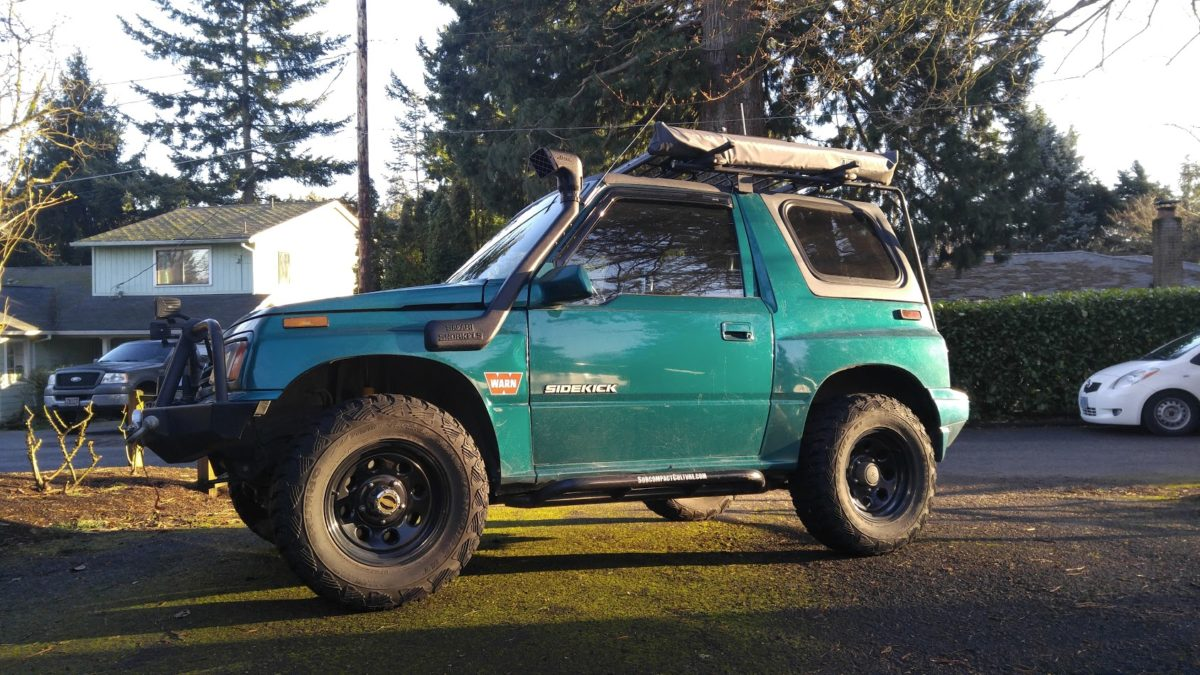 Lifted Suzuki Sidekick - The Teal Terror