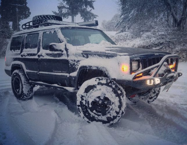 Jeep Cherokee in the Snow