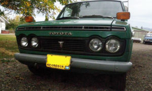 1971 Toyota Hilux front grille