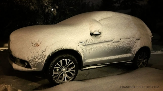 Mitsubishi in snow
