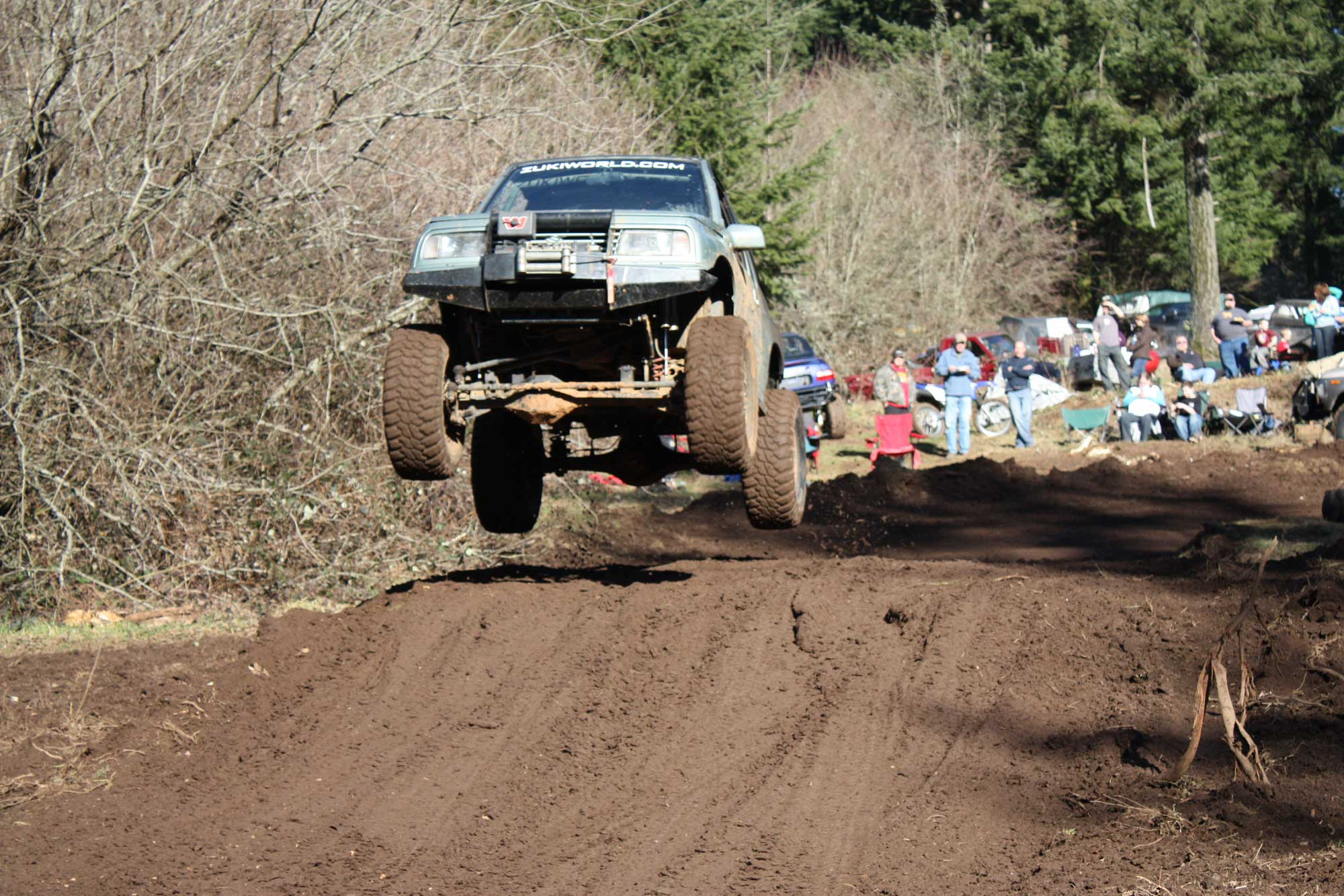 Eric Jumping his '89 Sidekick