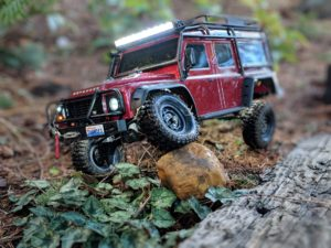 Land Rover TRX-4 Flexing on rock