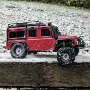 Traxxas TRX-4 Rover in the snow flexing