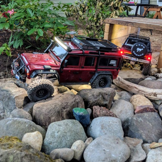 RC crawlers in the rocks