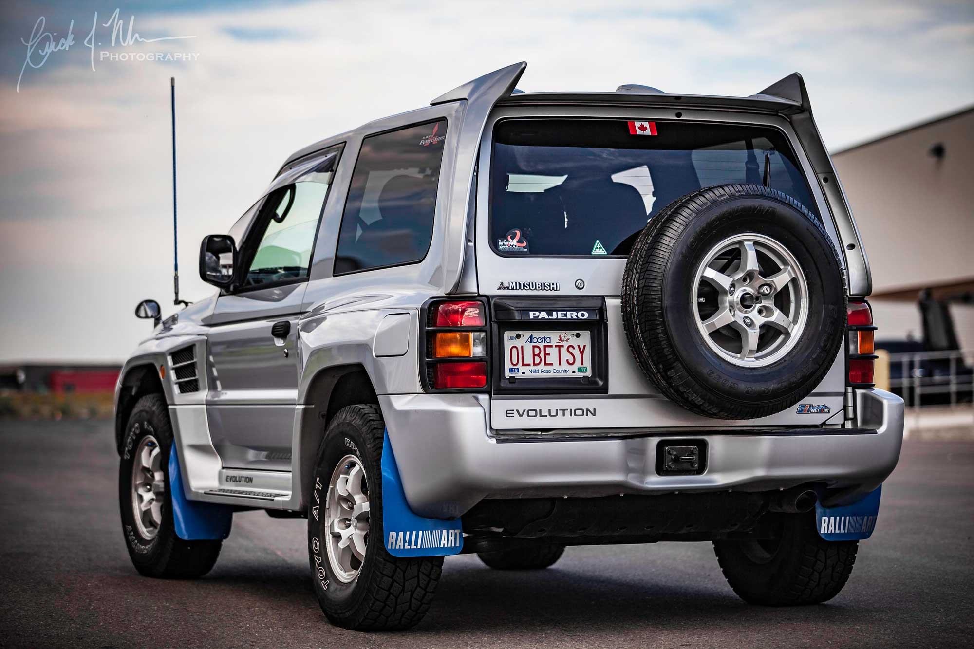 Mitsubishi Pajero Evolution back end