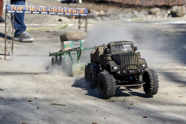 Military 6x6 RC car tractor pull