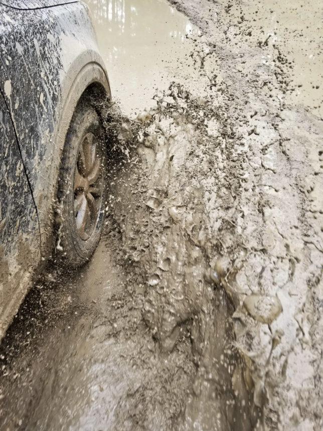 Kia Telluride mud splash
