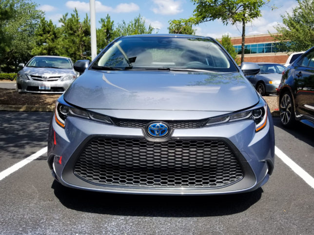 2020-Toyota-Corolla-Hybrid-2