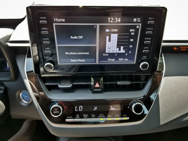 2020-Toyota-Corolla-Hybrid-infotainment-screen