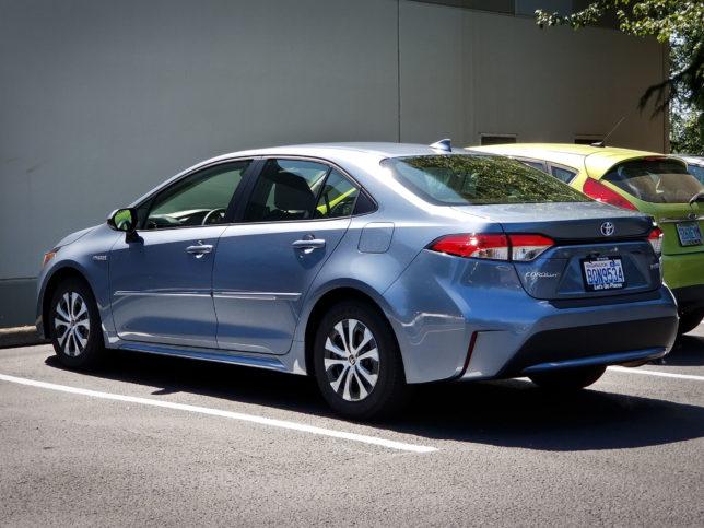 2020-Toyota-Hybrid-3