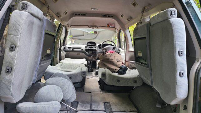 Mitsubishi Delica Space Gear L400 interior